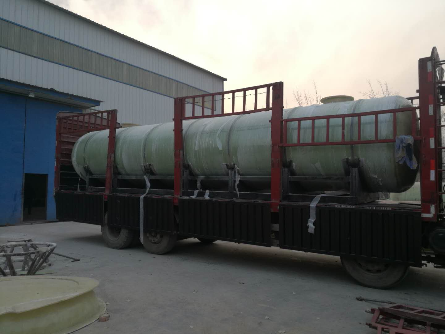 30 cubic chemical transport tanks successfully delivered to users