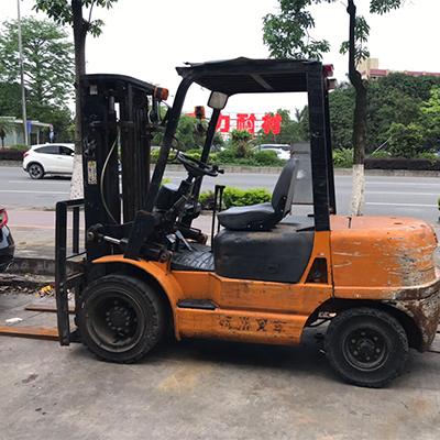 杭州3吨均衡重柴油叉车
