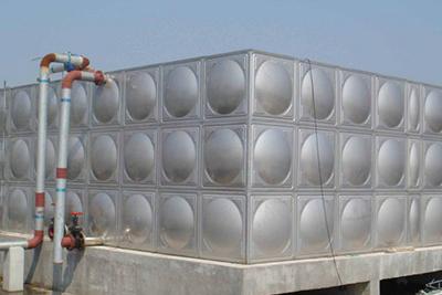 决议一个不锈钢水箱运用寿数的要素有那些呢?