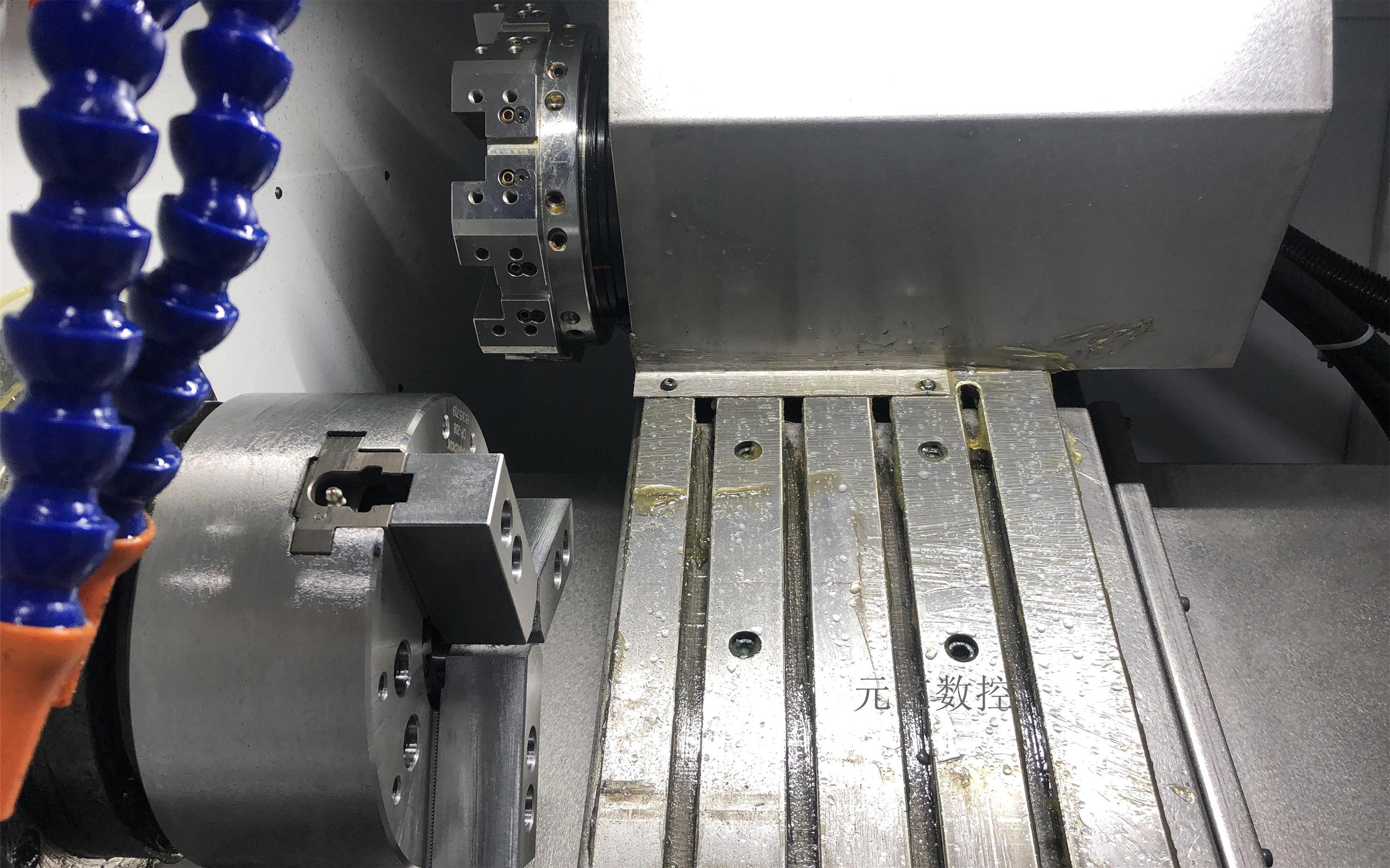 CK52X/D 刀塔斜轨精密数控车床(不带尾顶)