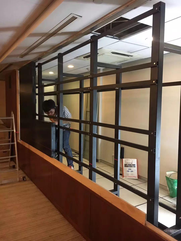 上海機場集團會議室拼接屏改造工程經過四個晚上緊張施工,終于順利完成!