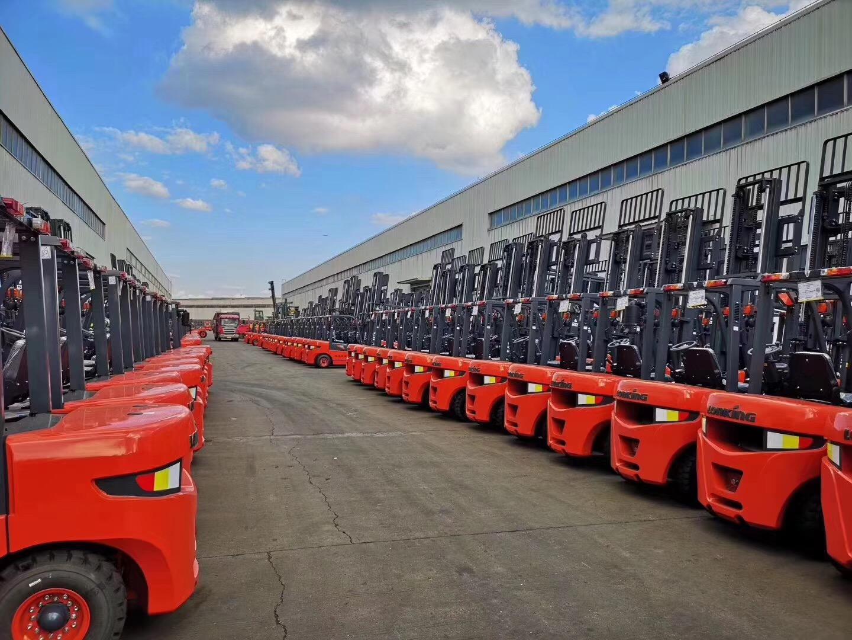 """""""中国制造2025""""带动高端装备制造业崛起"""