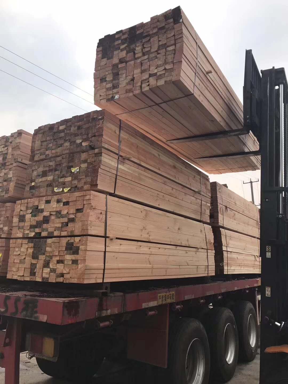 湖北木材加工厂发往通山工地房建工程