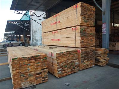 建筑方木供应商门面