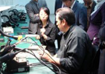 WINFOSS专家与技术人员商讨技术