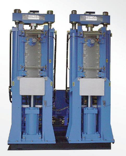 2270kg/小时 双缸造块机
