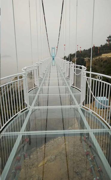 嘉旭玻璃吊桥