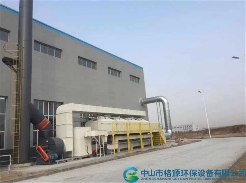内蒙古40000风量喷涂废气活性炭吸脱附催化燃烧设备安装调试完成运行中