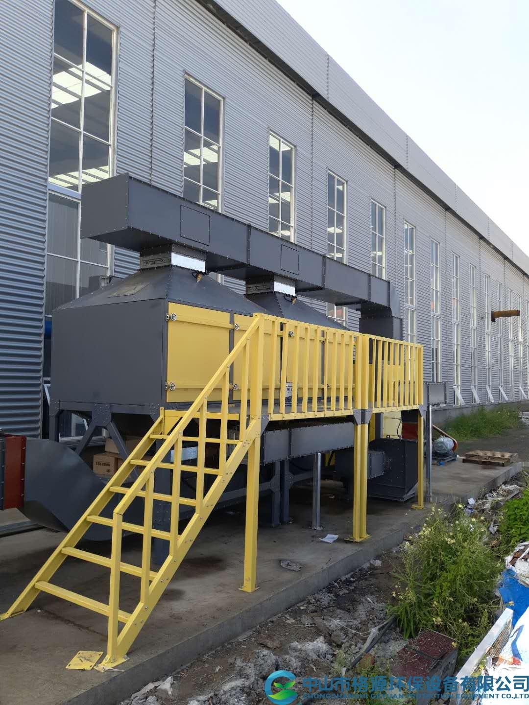 河北唐山某集装箱公司25000风量集装箱表面处理废气活性炭吸脱附催化燃烧设备安装调试完成运行中