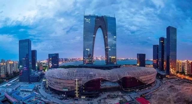 苏州中心 - 平衡门中国第一个超高层案例