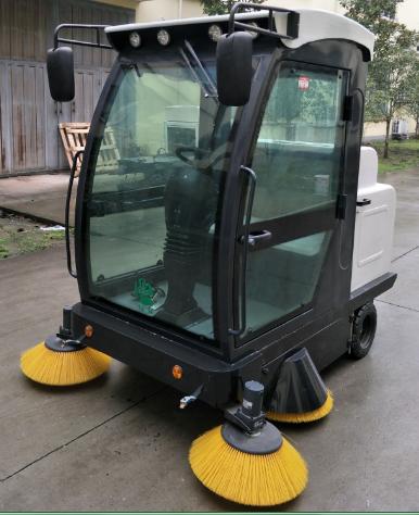 雨桐钢模板厂购置兰州扫地机