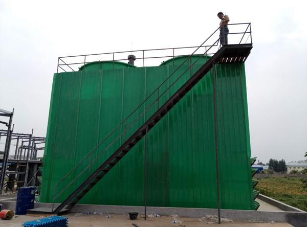 安阳某医药生产公司工业型冷却塔安装完毕