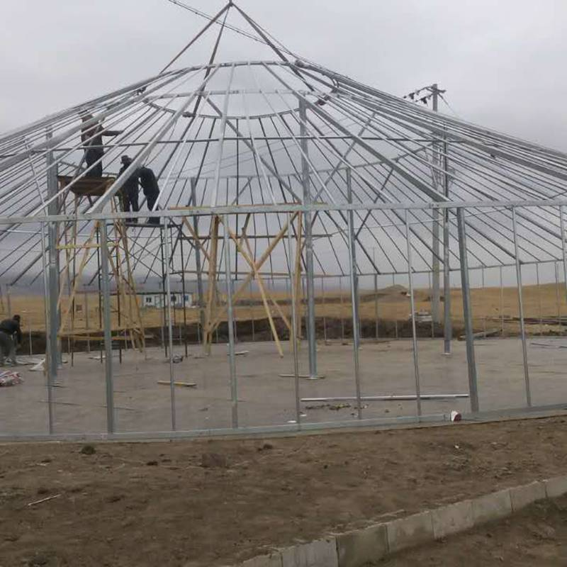 工地搭建蒙古包钢架现场