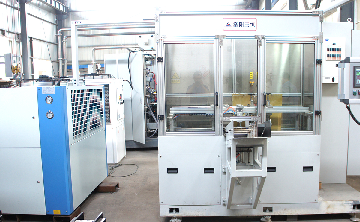 卧式轴类零件分段感应热处理自动生产线