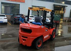 杭州4.5X系列柴油叉車交付現場