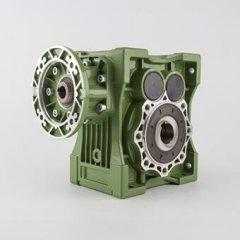 椒星JHG系列斜齿-准双曲面齿轮减速机