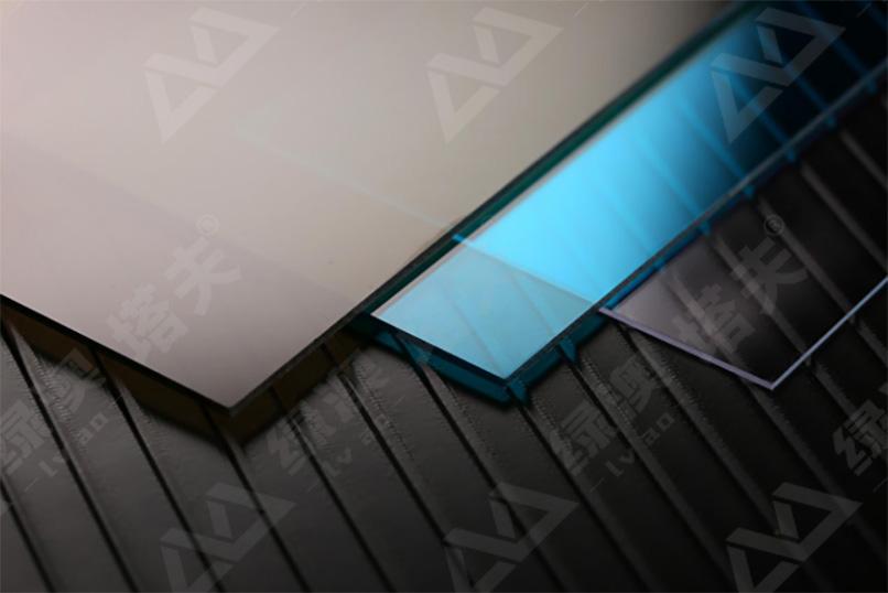 PC阳光板、耐力板厂家哪家强?怎么区分呢?上海绿澳告诉你~