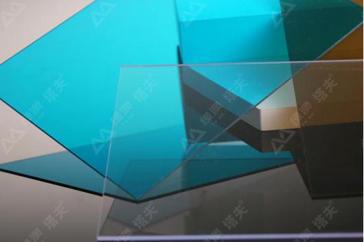 "PC耐力板是""不碎玻璃""?这9大优势,看完就有答案了~"