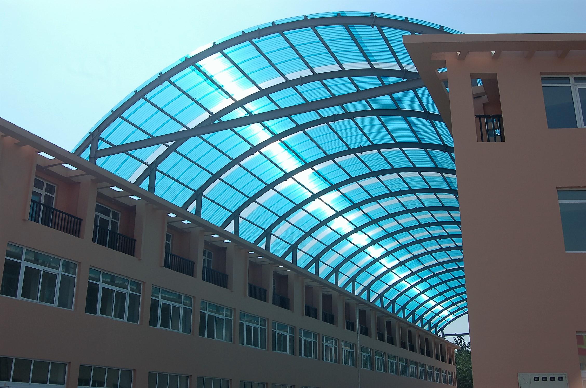 PC阳光板温室,如何在选择层数的同时运用于农业建设中?