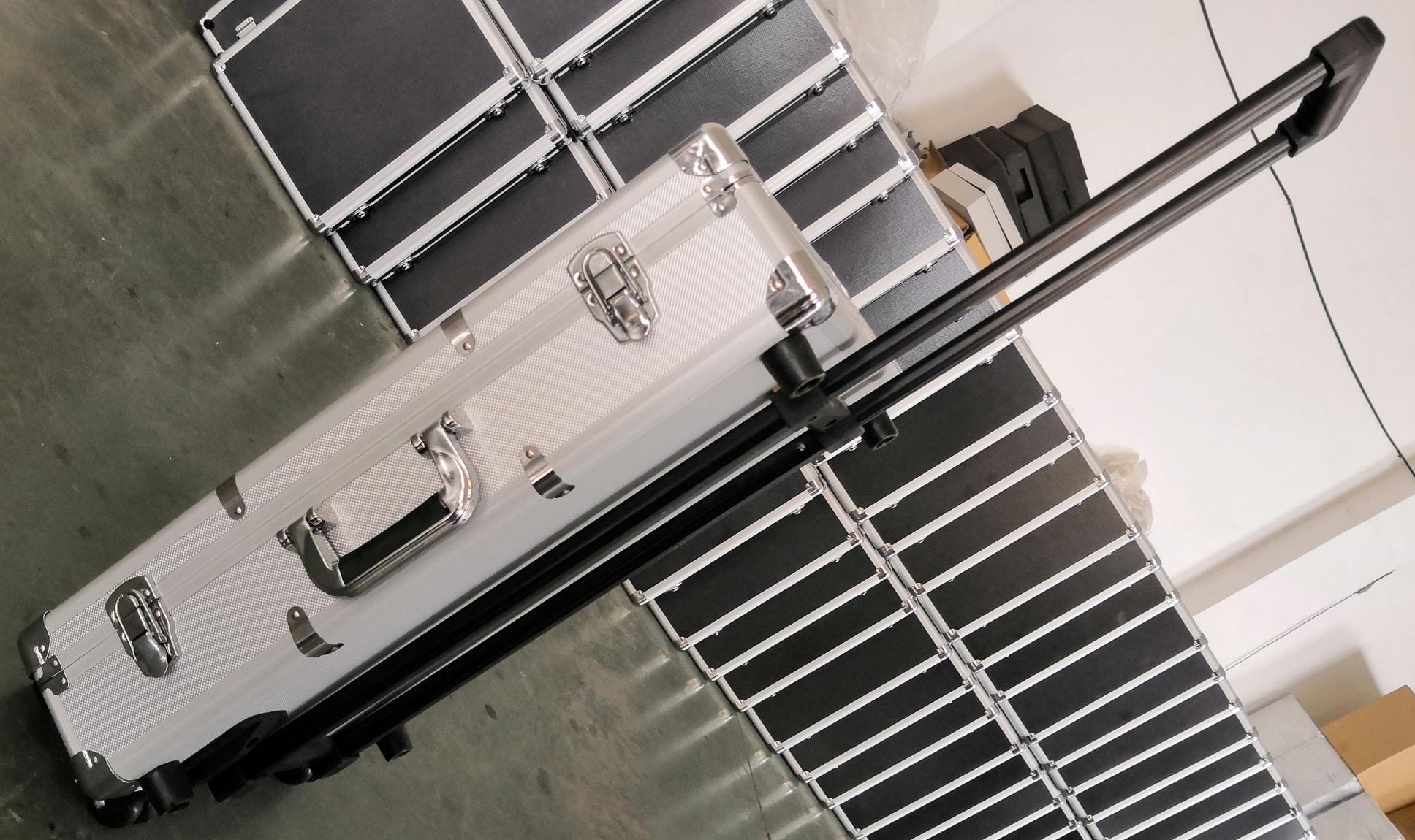 各種尺寸鋁合金拉桿箱
