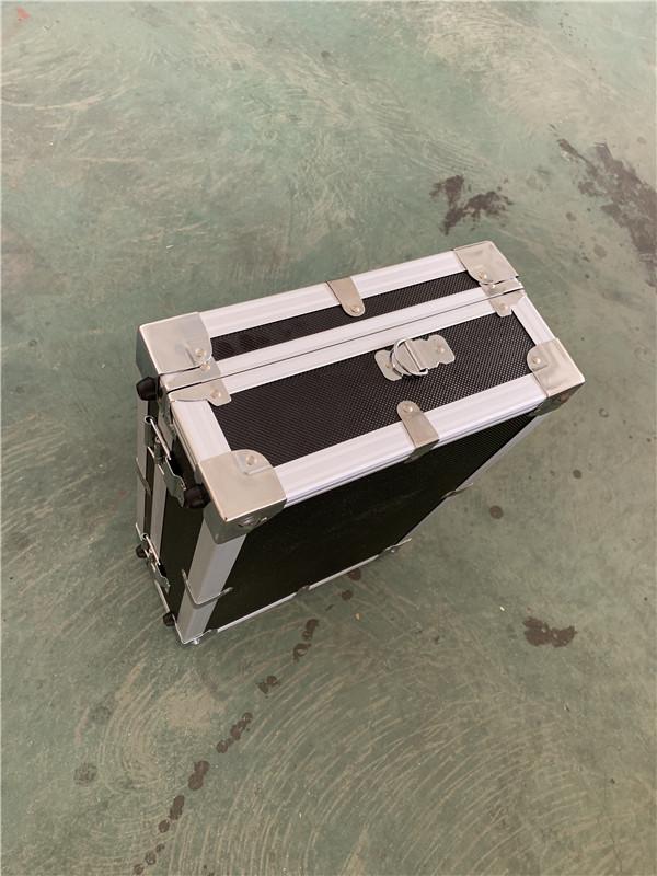 工具箱宽度结构