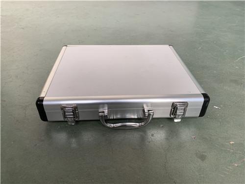 一體型材鋁合金箱