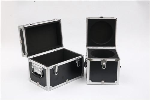 锁型及单个铝箱