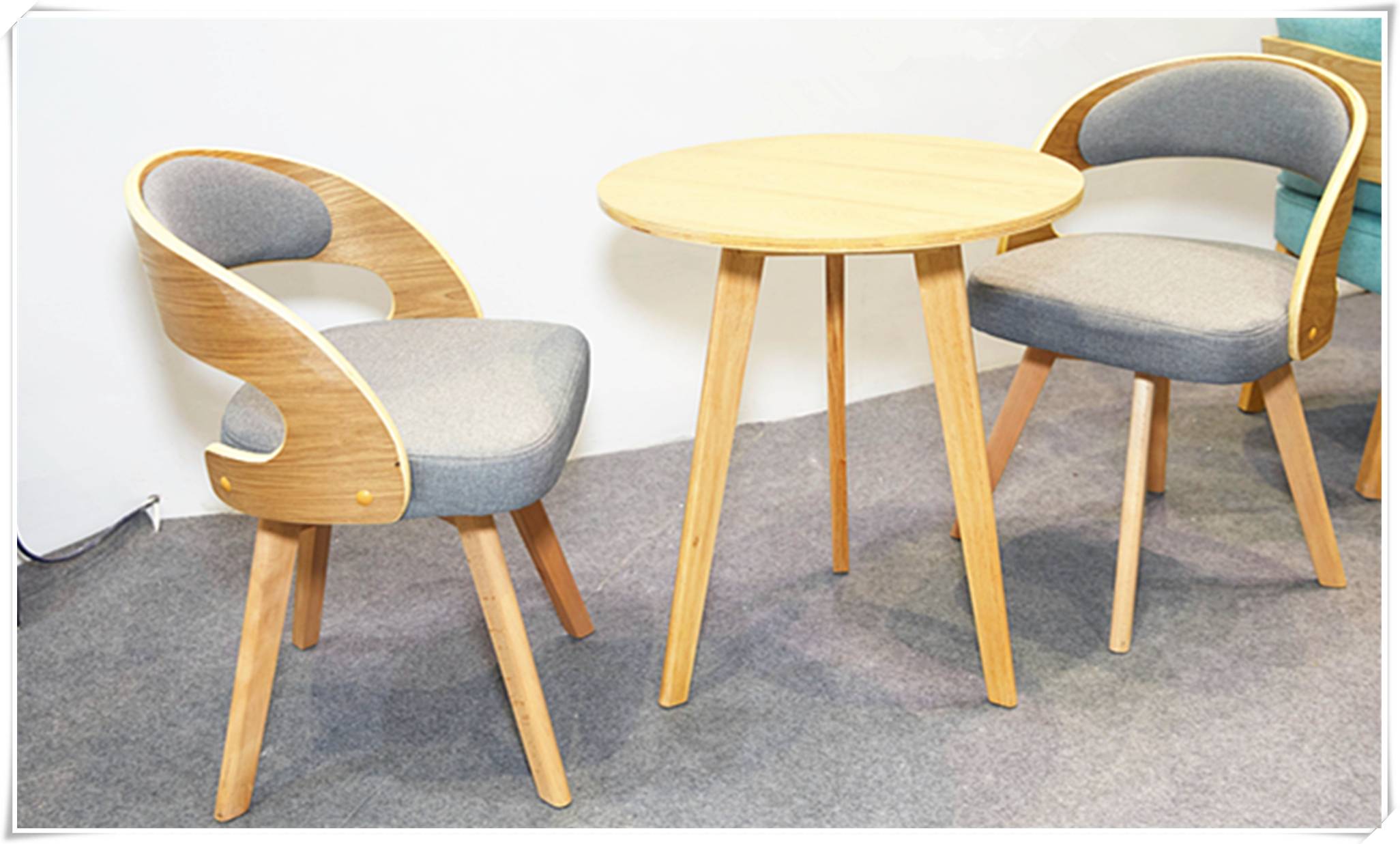 Small meeting table/chair