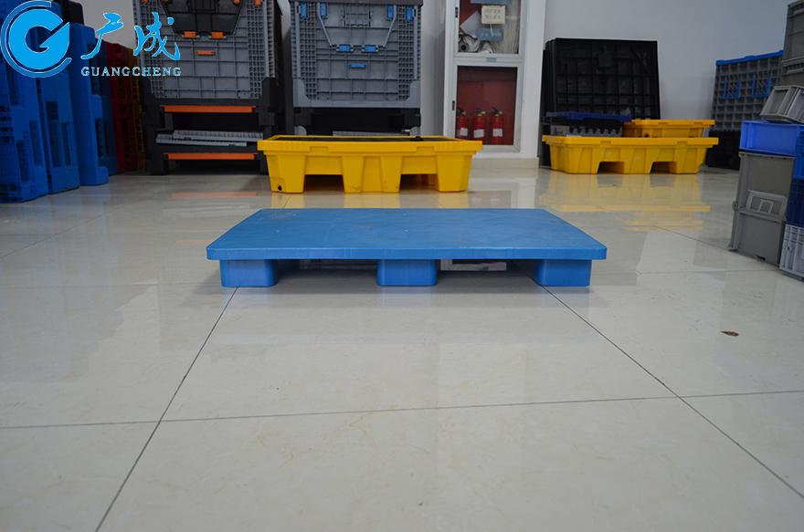 1007平板六腳墊板塑料托盤1000長側面