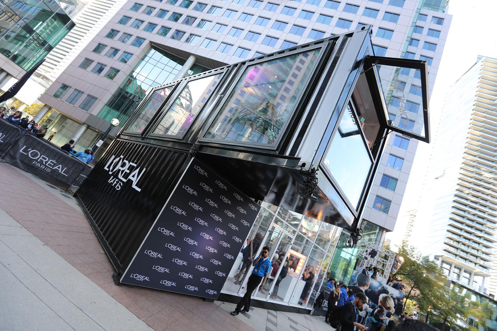 集装箱创意设计之玻璃房和双层悬臂式集装箱