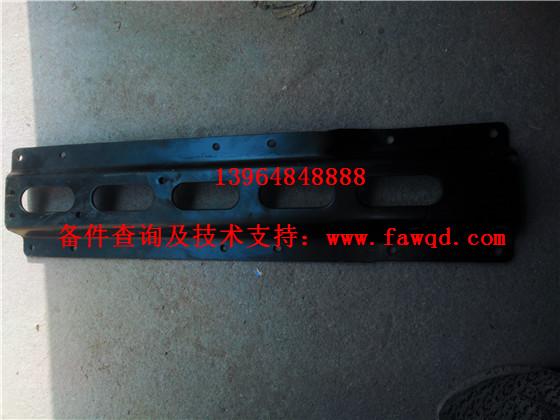 5103390-1504 青岛一汽解放JH6 右后挡泥板支架