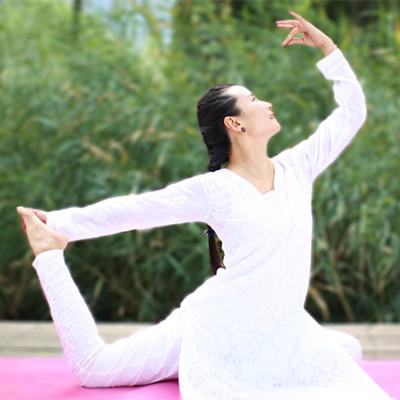 泰晟瑜伽晓敏老师