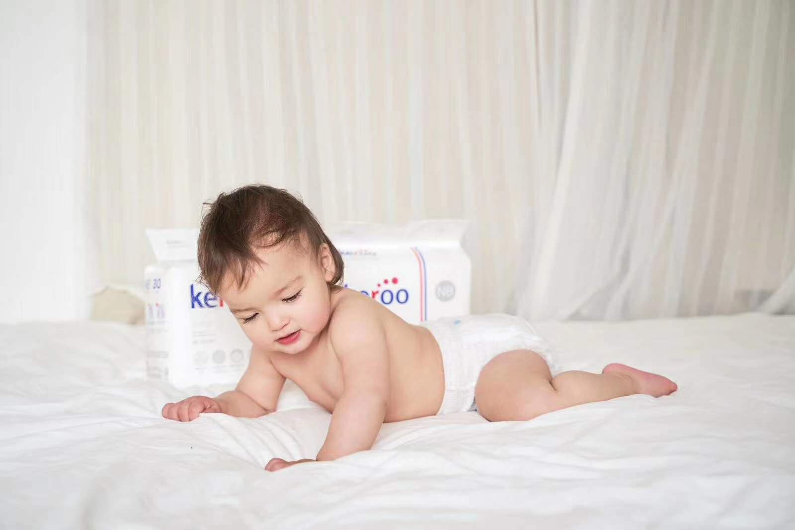 宝宝使用尿布与纸尿裤相比有怎样的区别?