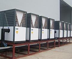 水月热泵的机组正在正常运行