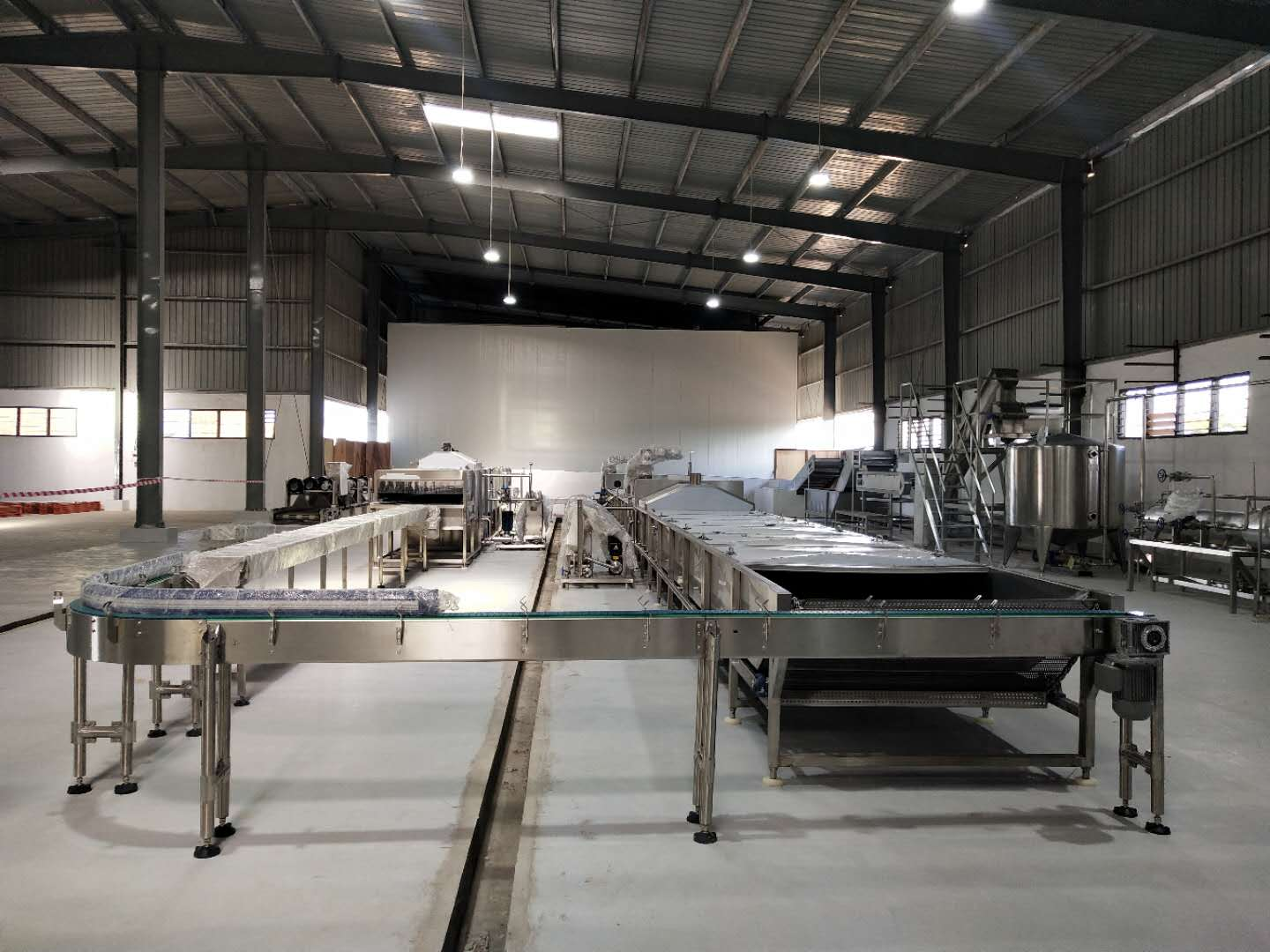 Algeria concentrated tomato and chili paste processing production line-300 tons/day