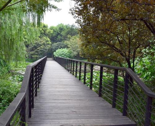 四川玻璃钢型材与传统材质的区别 - 桥水科技
