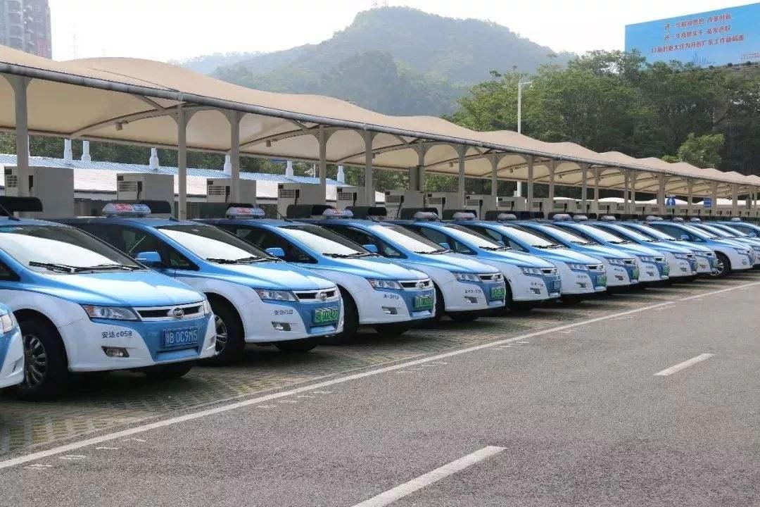 深圳市出租車已全部更新為純電動車,再無燃油出租車流通!