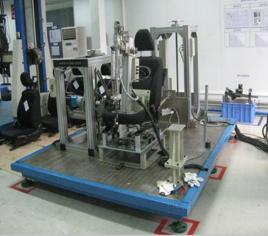座椅調節機構耐久測試...
