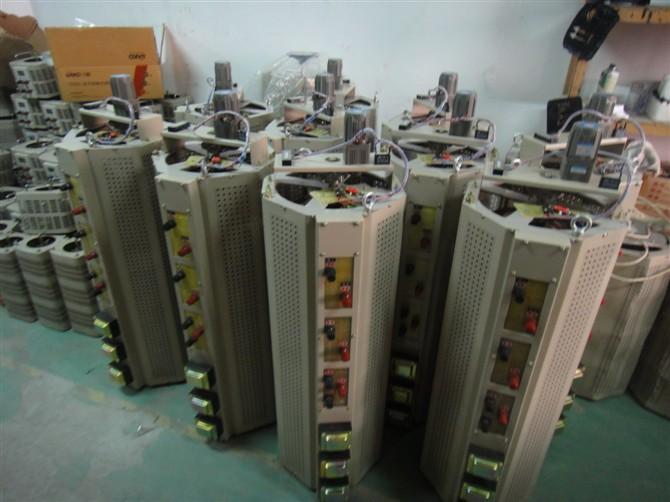 电动三相接触式调压器