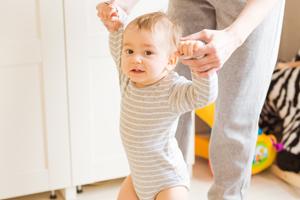 宝宝枕秃、出汗多、出牙晚就一定缺钙吗?别再瞎补了