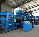 安徽滁州昊城建材廠使用液壓水泥制磚機現場