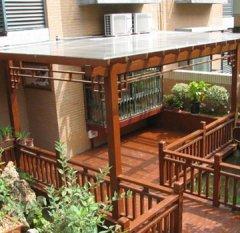 防腐木阳台安装