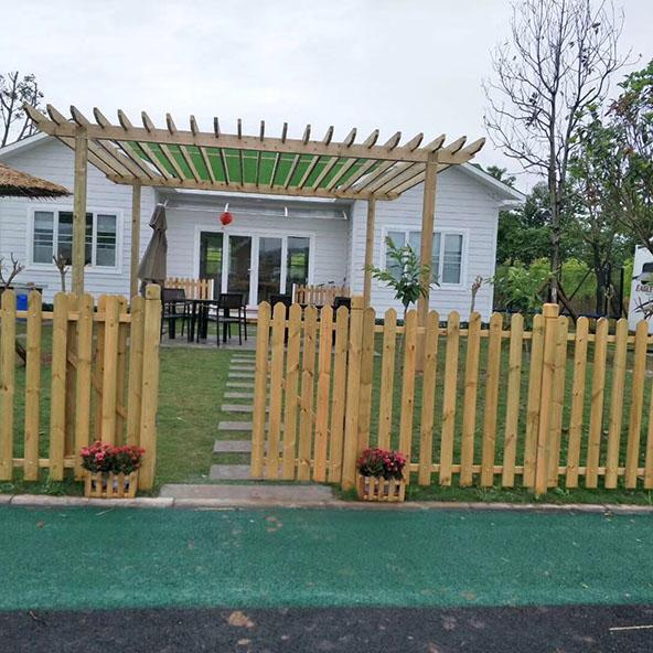 优质防腐木栅栏