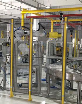機器人工位:涂膠-擰緊-合裝