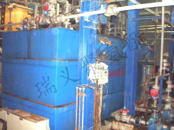 钢厂Na2SO4组合反应罐聚脲内防腐