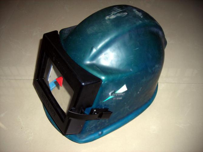 聚脲防爆抗暴头盔