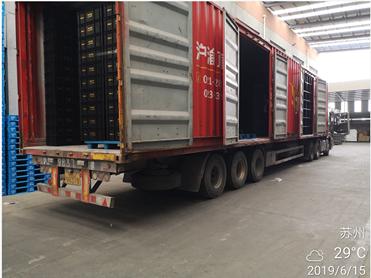 防静电物流箱6月出货装车