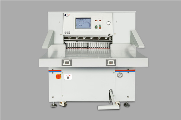 QZYK660EH-15 触摸屏切纸机