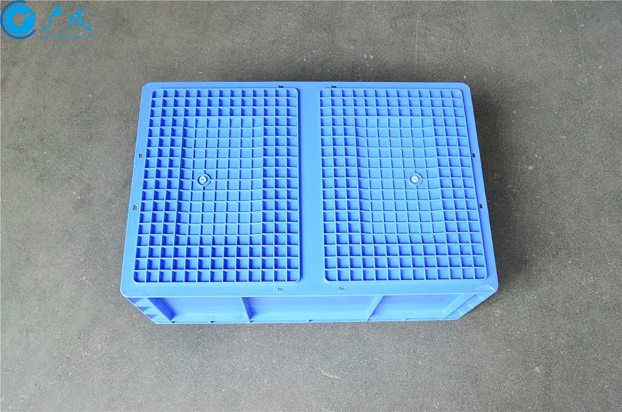 EU4622物流箱底部面