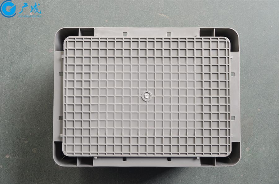 EU4328物流箱包角款底部面